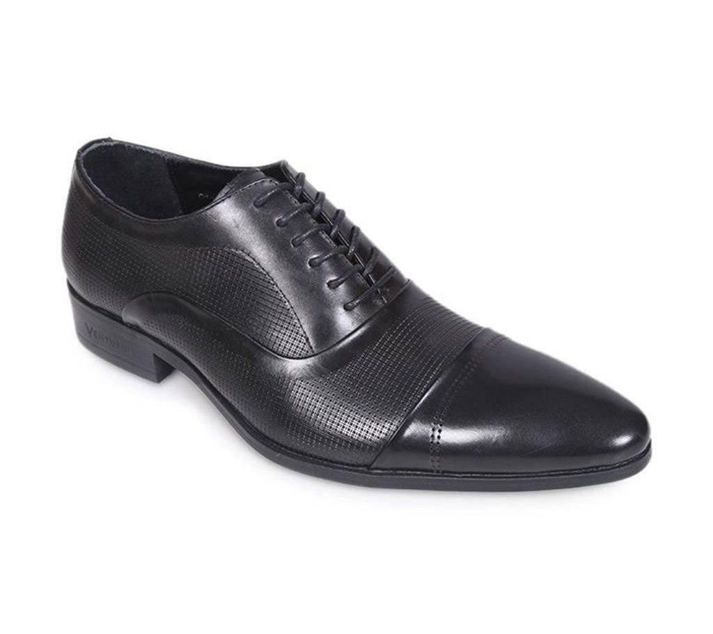 e1b988ff6ad3 Venturini Men's Black Embossed Leather Casual Shoe
